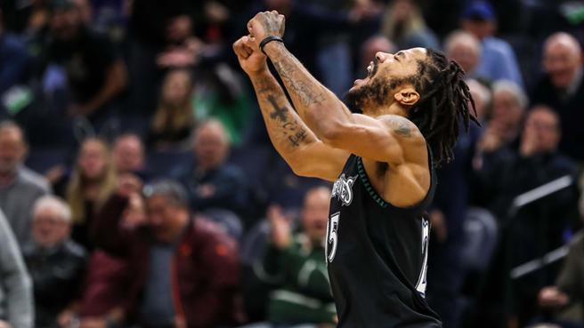 [Image] The face of triumph and resiliency – Derrick Rose drops 50 points after battling injuries that nearly derailed his career