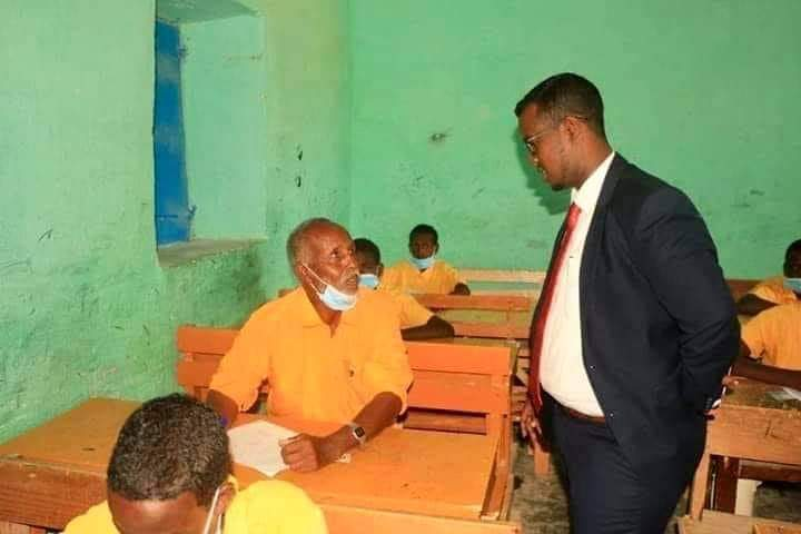 [Image] An 80 year old sits for his primary school finals. Galkayo, Somalia, 2020.