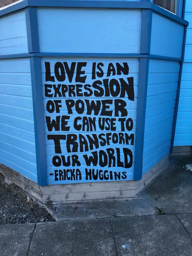 [IMAGE] One love!