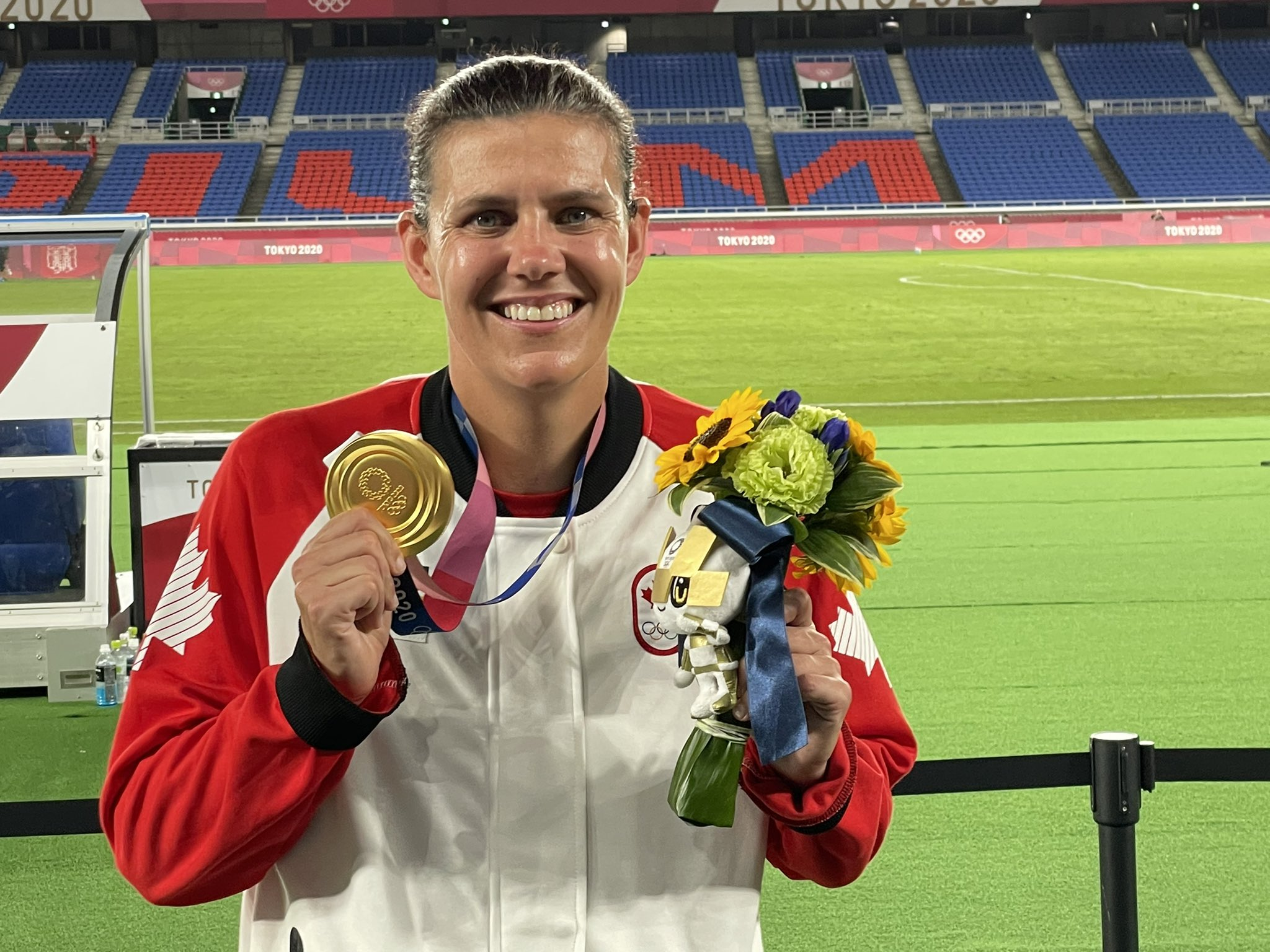 [Image] Christine Sinclair, one of the best players in women's soccer, is finally an Olympic champion after playing 20 years on the international level